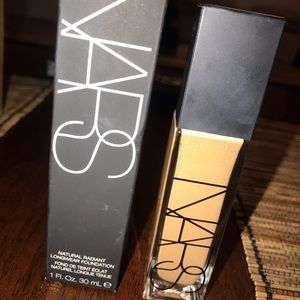 NARS Makeup - Nars Natural Radiant Longwear Foundation